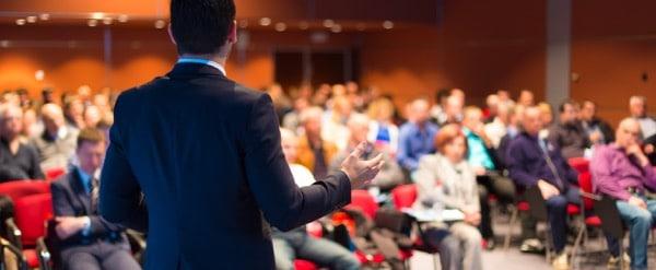 Presentación de la conferencia de negocios del orador