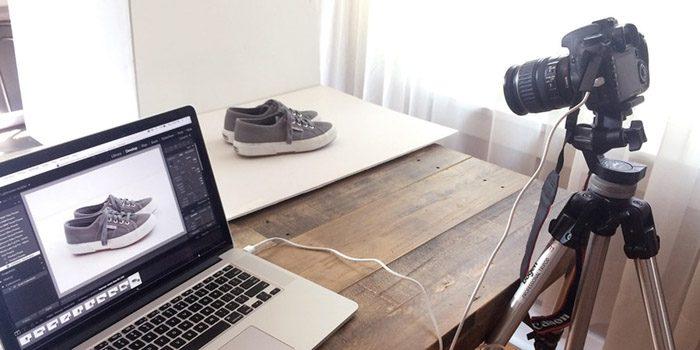 Una imagen que muestra que atar su cámara le permite ver la fotografía de su producto en su computadora o computadora portátil
