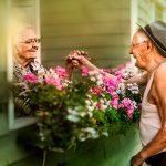 Poses para parejas de ancianos en fotos estilo compromiso
