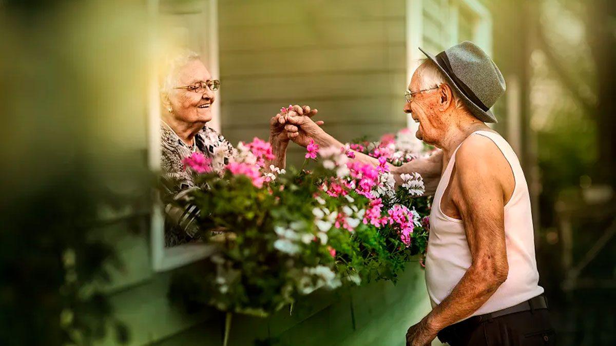 ancianos enamorados, es hermoso