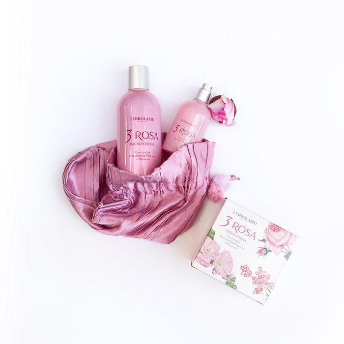 Fotografía de productos Flatlay fotografía comercial de cosméticos sobre un fondo blanco.