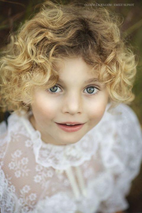 Maneras fáciles de posar a los niños en fotografías ¡5 formas de hacerlo!