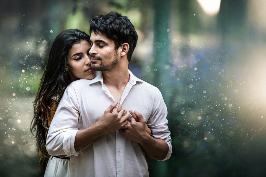 Ideas de poses en pareja - romántico Abrazo por detrás