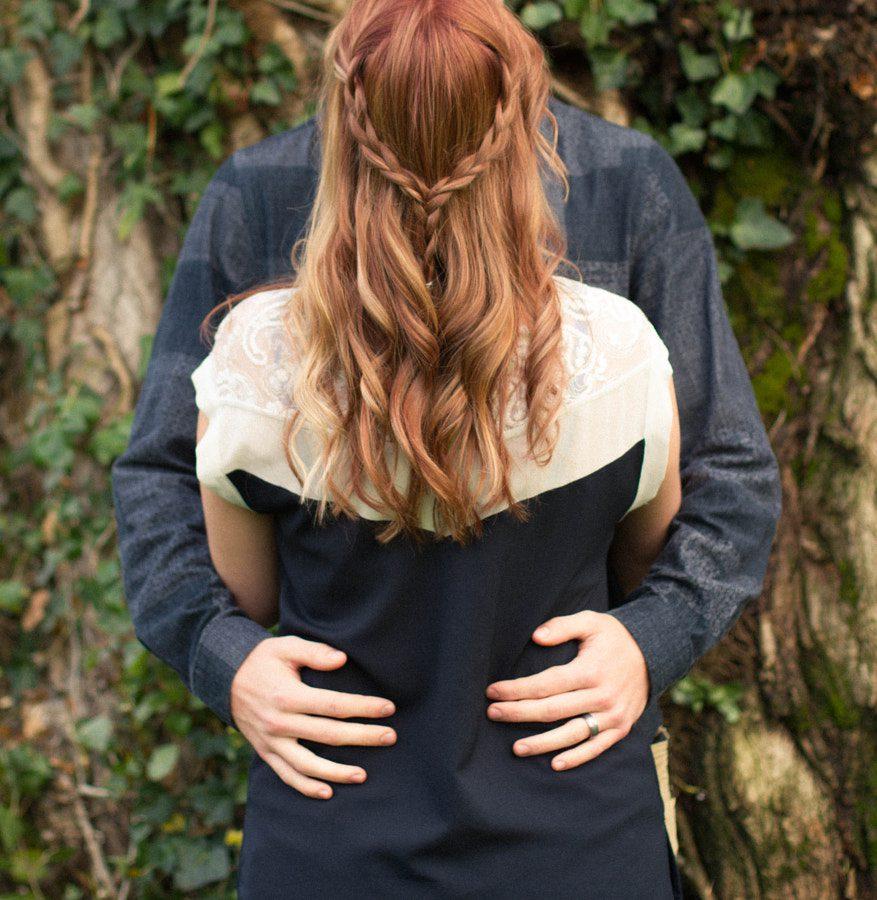 Ideas de poses en pareja - romántico Primer plano de abrazo